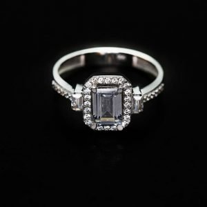 14k White Gold Cz. Engagement Ring - ID: A623