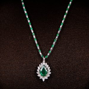 18k White Gold Diamond and Emerald Necklace - ID P486