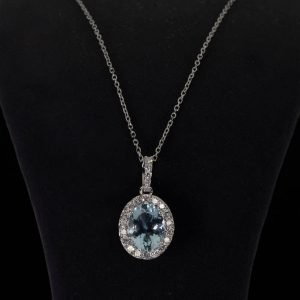 18k White Gold Diamond and Aquamarine Necklace ID P679