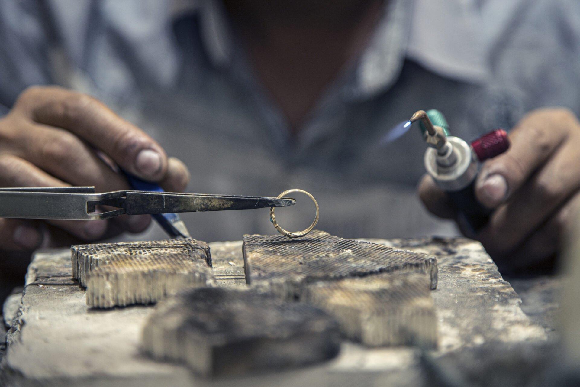 Eternity Jewellery goldsmith on work