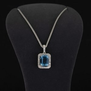 18k White Gold Diamond and Aquamarine Necklace - ID: P521