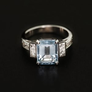 18k White Gold Diamond and Aquamarine Ring - ID: P678